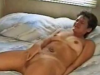 Woman Rubbing To Orgasm On Bed By Edquiss Free Porn C3