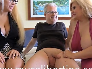 Hotel Manager Sucks My Husband's Cock With Musa