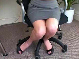 Sexy Tease From A Hot Voluptuous Blonde