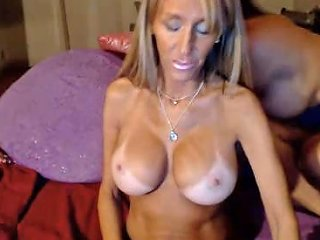 Huge Squirt Machine With Tanned Big Breasts Gf Porn Df