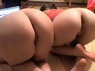 Jerk Off On 2 Girls While They Surf The Web Free Porn 1f