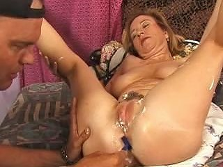 Mom Shaving Her Big Pussy Free Her Pussy Porn 3e Xhamster