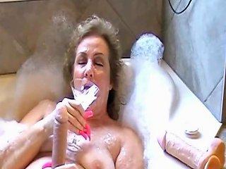 Bukkake Girl Long Nail Fetish Free Cum Swallowing Hd Porn