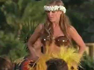 Carmen Electra Baywatch Hawaiian Wedding