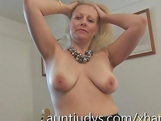 Zoey Tyler Uses A Pink Vibrator On Her Pussy Free Porn 69