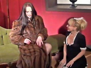 Rebekka Raynor And Mouse 2
