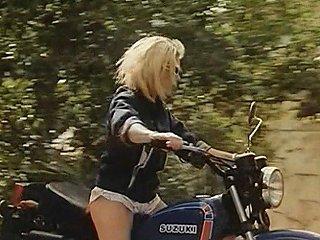 Vacances A Ibiza 1980 Marylin Jess Free Porn 20 Xhamster