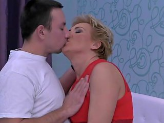 Taboo Sex With Hot Aunt And Lucky Young Son Free Porn 78