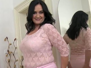 Mature Busty Booty Mom Takes Big Rubber Cock Free Porn F0