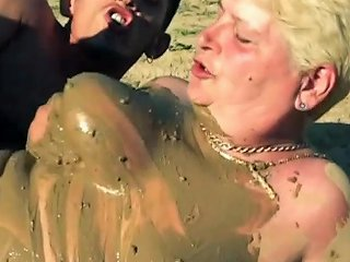 Mature Cunts Fucked In The Mud Like A Pig Free Porn F9