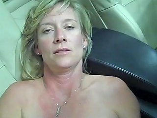 Mature Wife Plays With Her Huge Pussy In Garage Porn Df