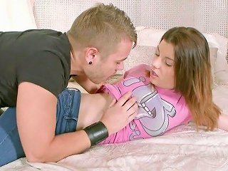 Skilled Boyfriend Fucks Anal Hole Of Yummy Gf For The First Time