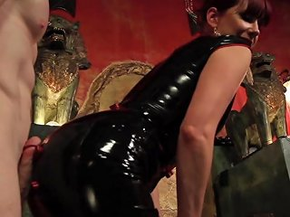 Rob Yaeger Maitresse Madeline Marlowe In Maitresse Madeline Visits Famous Midtown Manhattan Dungeon Divinebitches Txxx Com