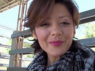 Carne Del Mercado Brunette Latina Laura Toro Has Hot
