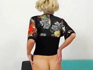 Huge Pussy Lips Free Girls Masturbating Porn Video 6d
