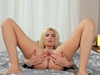 Unusual Czech Cutie Gapes Her Narrow Pussy To The Speci Porn Videos