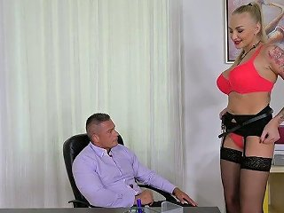 Russian Secretary Kayla Green Gets Her Anus Fucked In The Office