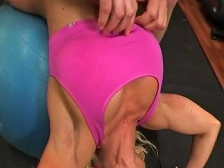 Ashlee Chambers Blonde Muscle Goddess Fucks In The Gym