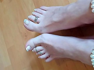 Sexy Feet Play MILF Teasing You At Home