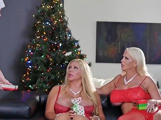 Conorcoxxx Big Xmas Gift With Alura Jenson And Karen Fisher 124 Redtube Free Blonde Porn