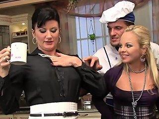 Hot Maids Enjoy Some Pissing While Fucking Drtuber
