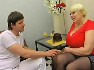 Russian Amateur Mom Goes Wild 01 Drtuber