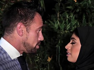 Creampied Ella Knox Is Wearing A Hijab For This Occasion Nuvid
